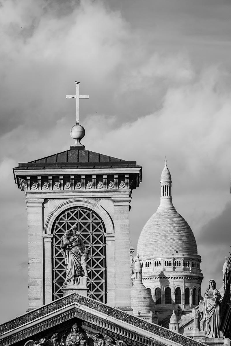 Photo noir et blanc Crosses est une succession de croix sur différents plans