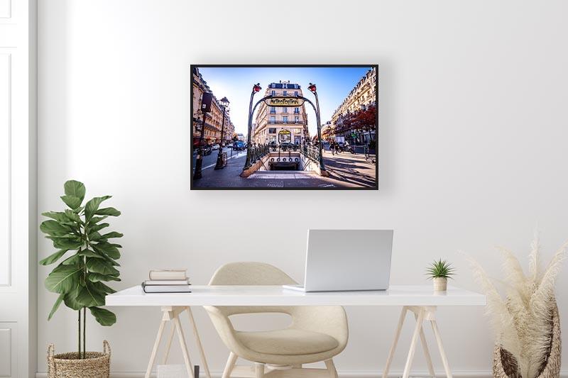 Photographie urbaine Architecture ville métro mise en situation dans un bureau