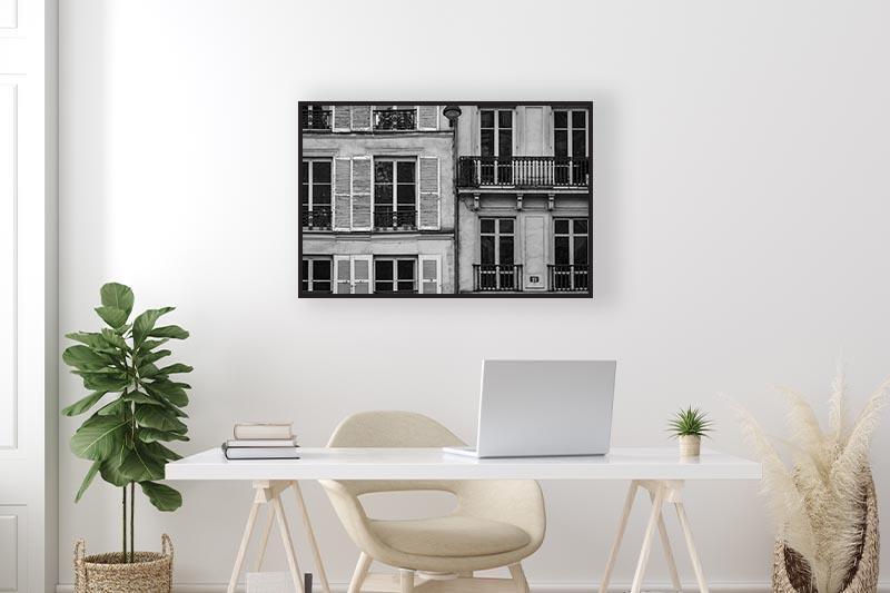 Photo noir et blanc immeubles parisiens mise en scène dans un bureau GUILLOT IMAGES Galerie d'art photo