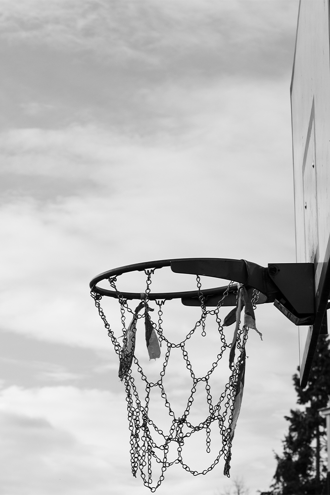 Photo noir et blanc basketball panier