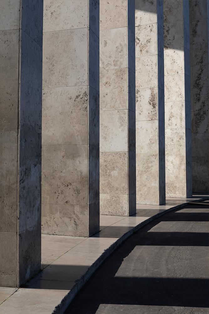 Photographie minimaliste Ombres et lumières au Palais de Tokyo de Paris